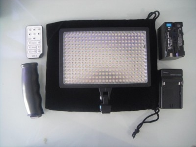 LAMP LED-336A PRO VIDEO LIGHT + Batt F970